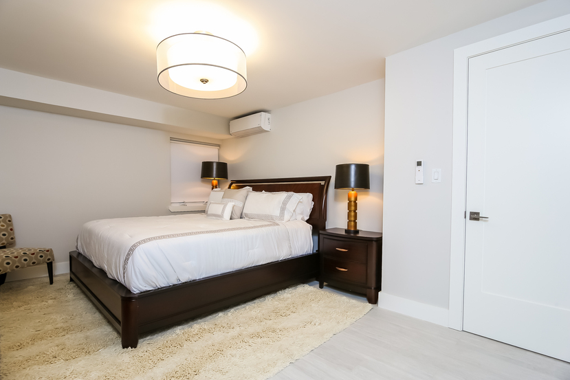 011-Master_Bedroom-4234337-small