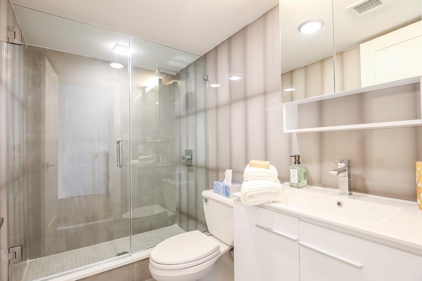 016-Bathroom-4234333-small