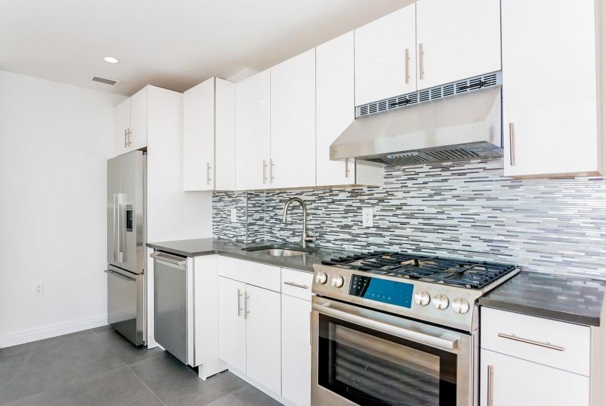 005-Kitchen-5747020-medium