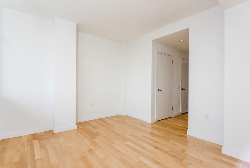 008-Bedroom-5747012-medium