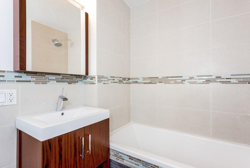 009-Bathroom-5747025-medium