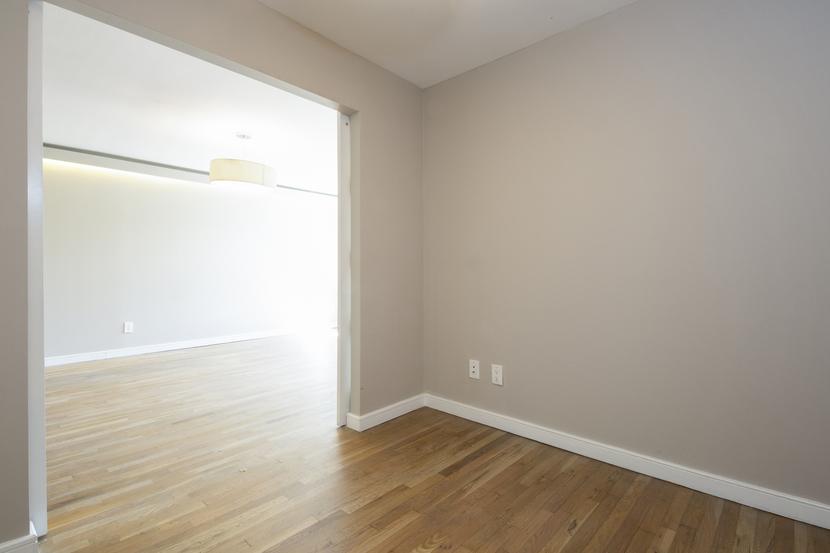 009-photo-bedroom-7569189